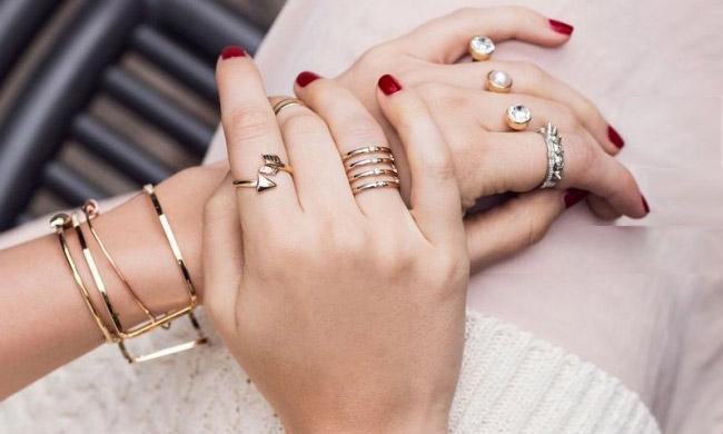 想把戒指戴好看 这几款单品你必须拿下