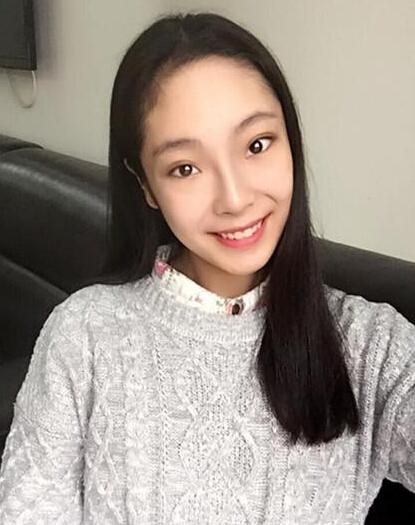 """[明星爆料]长相随爹!""""贾宝玉""""欧阳奋强20岁漂亮女儿曝光"""