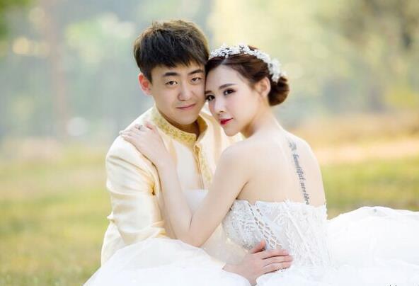 [明星爆料]快男刘心被曝大婚 新娘容貌美艳