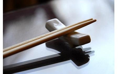 两根木头是筷子?这可不一定