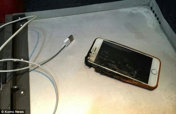 北京时间3月21日消息,据国外网站cnet报道,手机起火并不常见,在飞机上