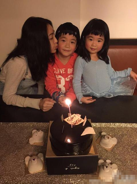 [明星爆料]曹格妻子晒与儿女温馨照 感谢家人为自己庆生