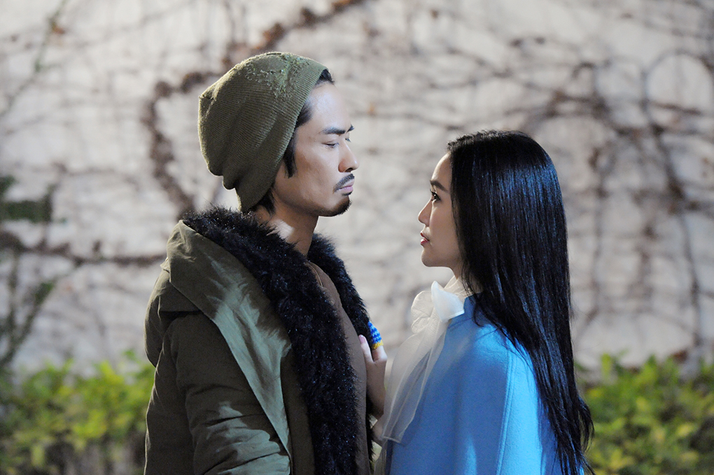 [明星爆料]郑嘉颖机场打戏拍足三日 谢安琪首次拍剧演僵尸