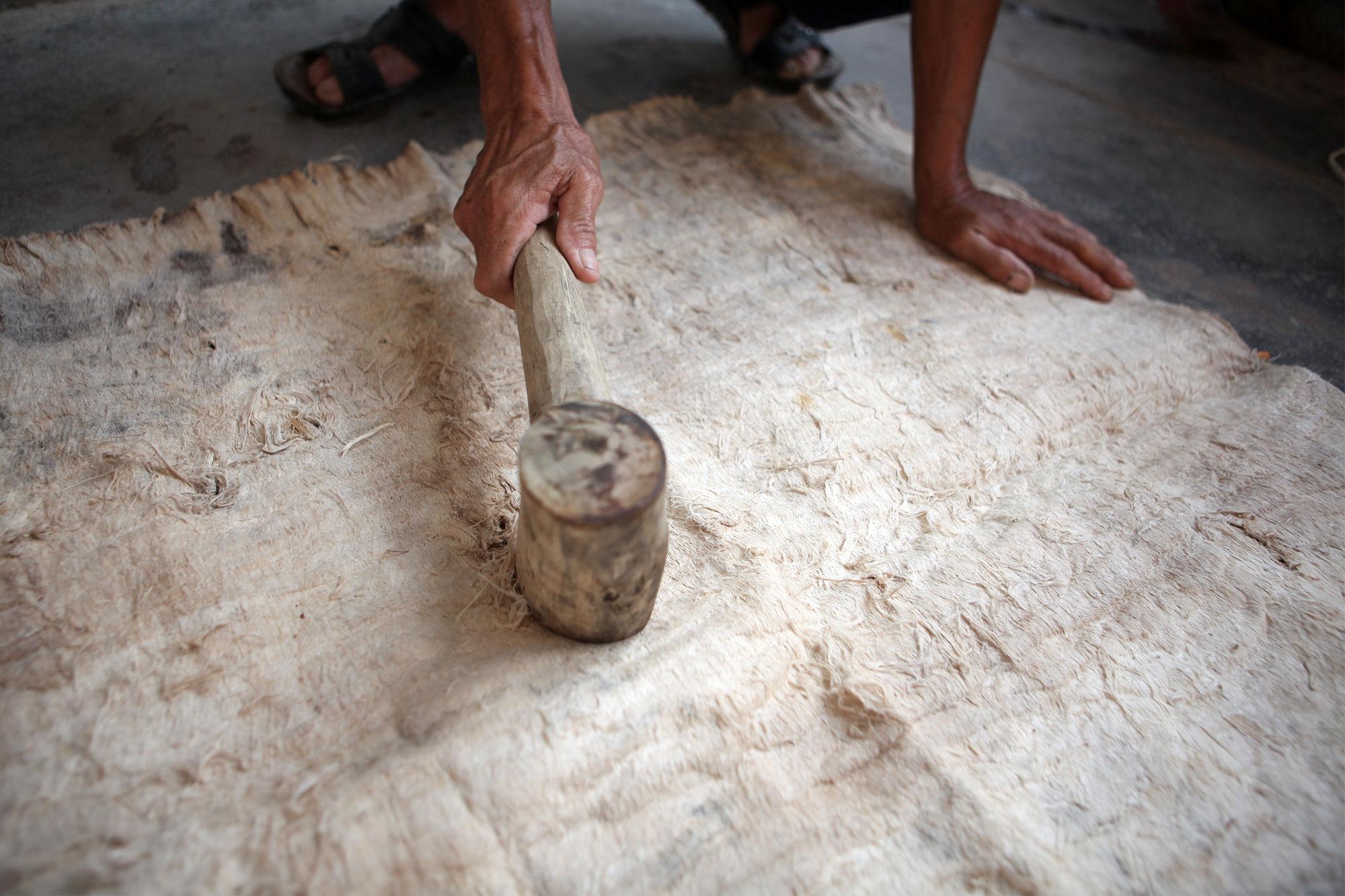 树皮为衣 黎族人古老的衣服