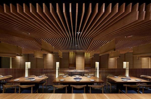 日式别墅屋顶设计