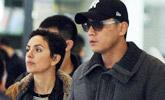 刘烨携外籍妻子现身机场