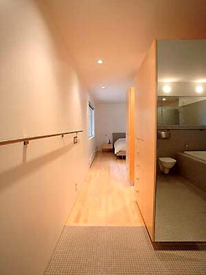 浴廁在走廊盡頭,大凶。