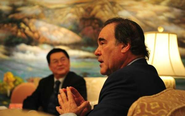 奥利弗 斯通来中国 将监制3D《成吉思汗宝藏》