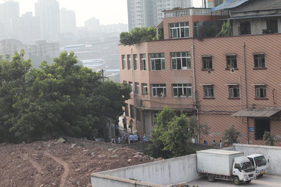 击毙地点沙坪坝童家桥.-重庆市民扎堆围观周克华丧身地图片
