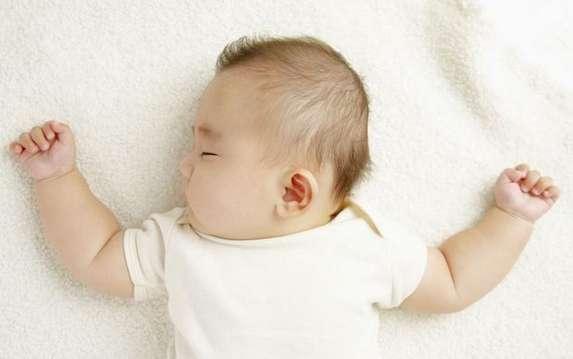 高级育婴师培训:科学应对宝宝枕秃现象