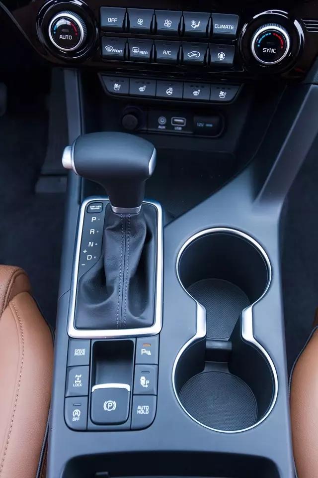 kx5搭载dms驾驶模式选择系统,发动机启停系统,并配备方向盘加热,一键