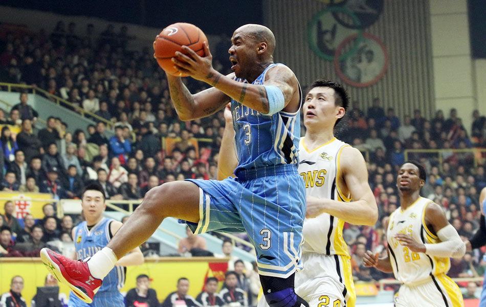 北京队方面马布里32分,莫里斯34分14篮板,孙悦11分;广厦队吉布森20分