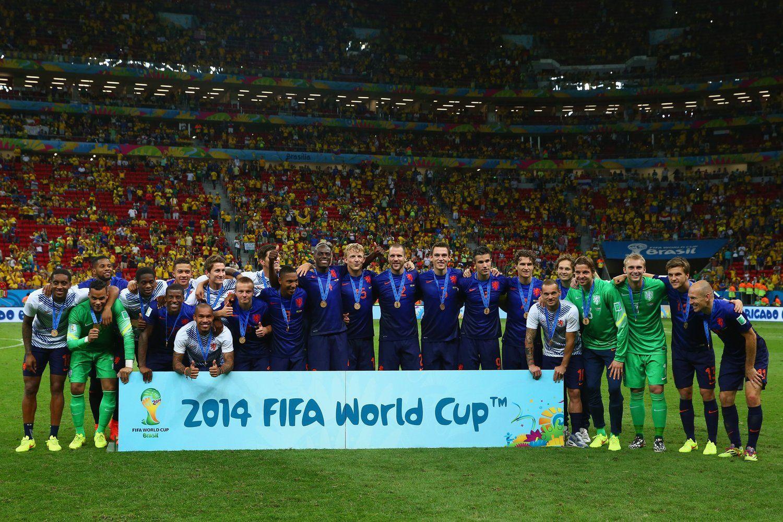 2014年7月13日,巴西巴西利亚国家体育场,2014巴西世界杯三四名决赛,荷兰3-0巴西夺得季军。赛后,颁奖仪式举行。