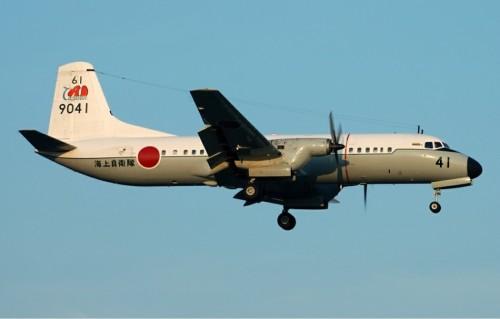 中国空军苏27战斗机拦截两架日本侦察机