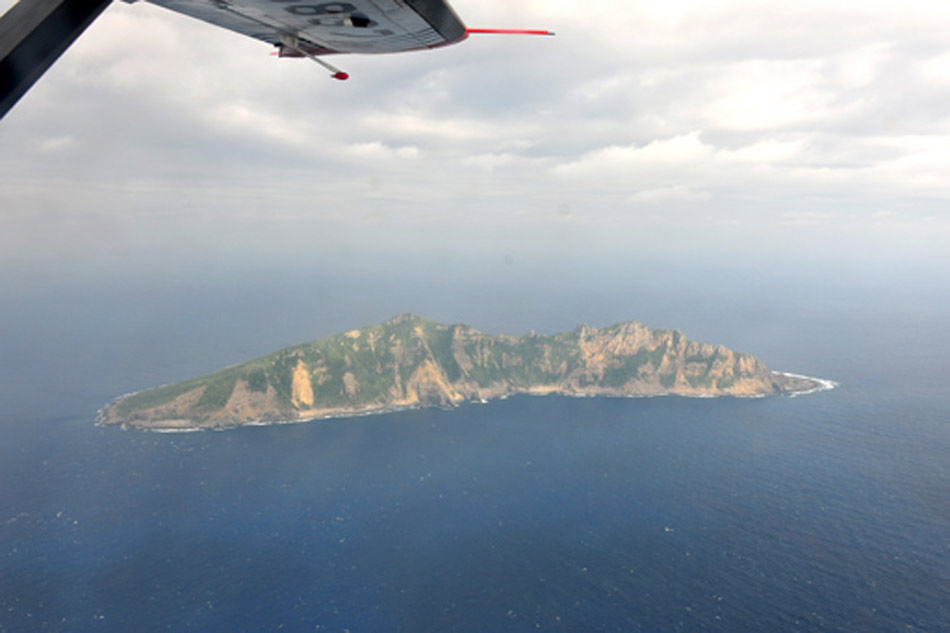 从高空俯瞰世界:机翼下的壮美风光 - 深海 -