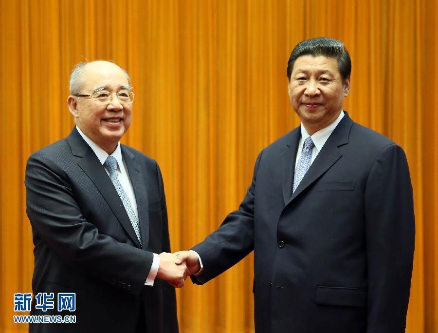 6月13日,中共中央总书记习近平在北京人民大会堂会见中国国民党荣誉主席吴伯雄。 新华社记者兰红光摄