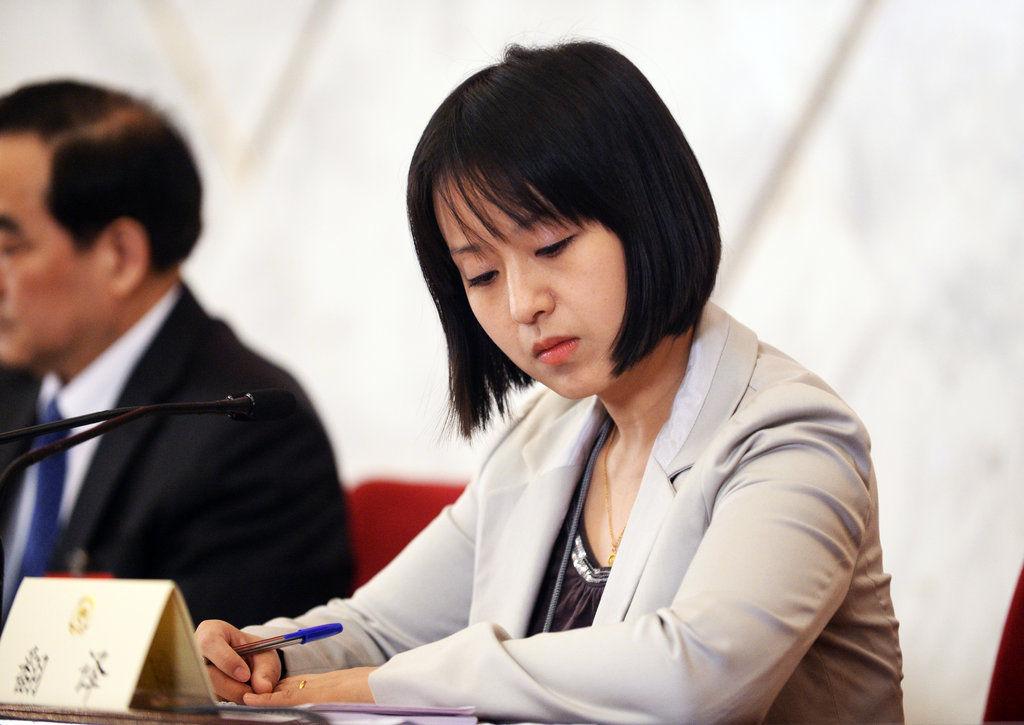 美女翻译 凤凰网