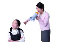 鼓励少打骂多对孩子情商的发展十分不利