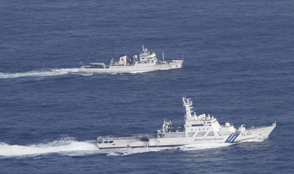 9.18日中国渔政船与日本巡视船对峙并行