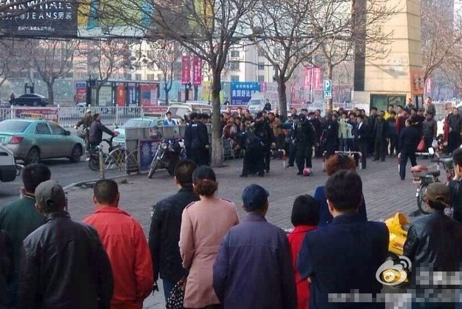 葫芦岛一名歹徒抢劫运钞车被擒 - 雷石梦 - 雷石梦(观新闻)
