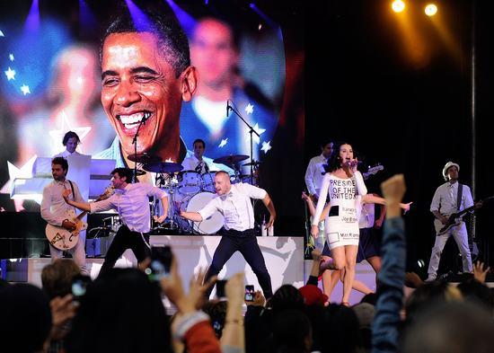混迹尚圈须挺奥巴马 女魔头安娜领首明星支持