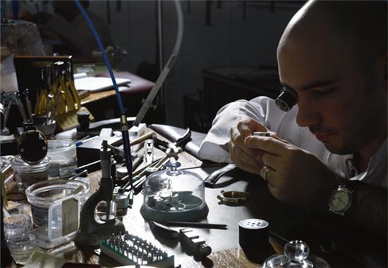 奢侈品牌手工坊:探秘欧洲手工艺古镇图片