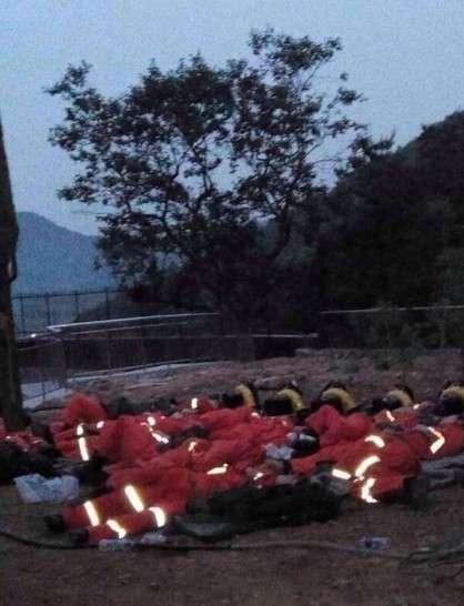 威海森林大火火线曾达7千米 疏散居民就近安置