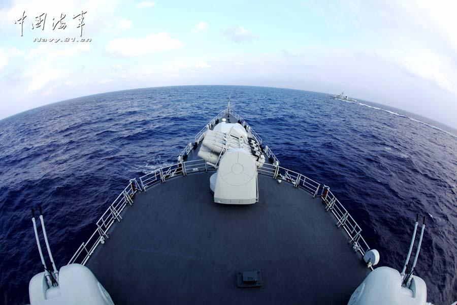 东海舰队在西太平洋演习 连续拉响20次战斗警报