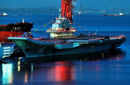 专家:首艘国产航母走稳妥路线 用最先进武器设