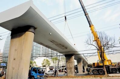 合肥省立儿童医院门前建起人行天桥