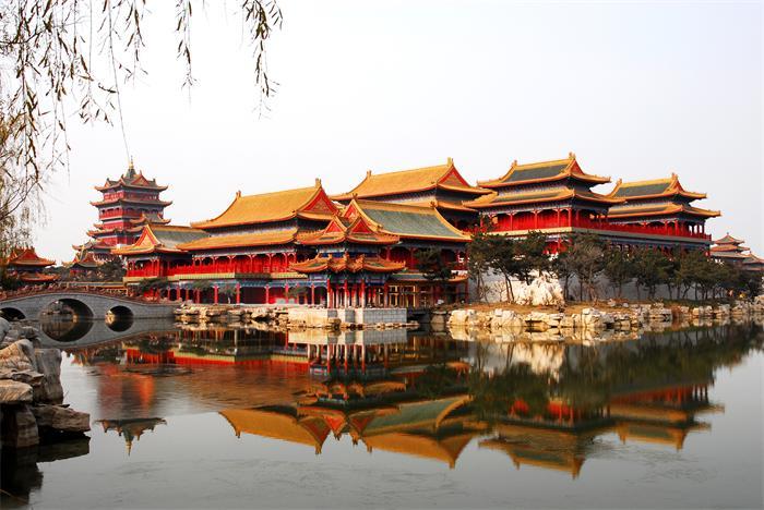 孙业宝 文章 > 正文   山东蓬莱三仙山风景区位于蓬莱黄海之滨,西与