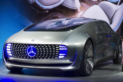 奔驰也在ces上推出了其无人驾驶汽车--f015 luxury in motion高清图片