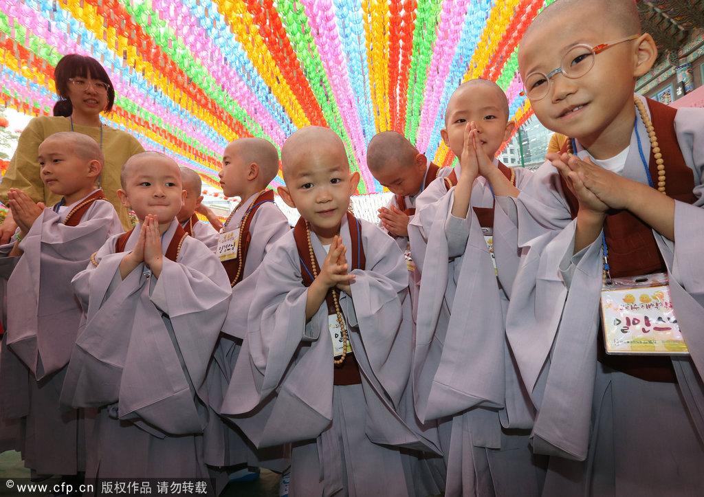 韩国儿童短期出家迎佛诞节