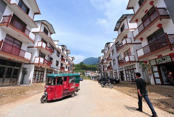 当日,位于福建省闽侯县边远偏僻的大湖乡和白沙镇孔元村的部分困难