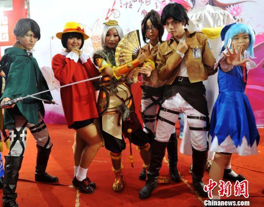 石家庄动漫节cosplay秀受追捧(图)图片