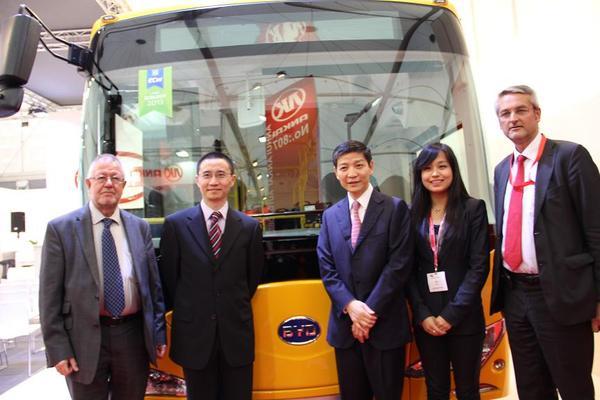 廖力强大使出席克特雷特世界客车博览会及我客车企业新车高清图片