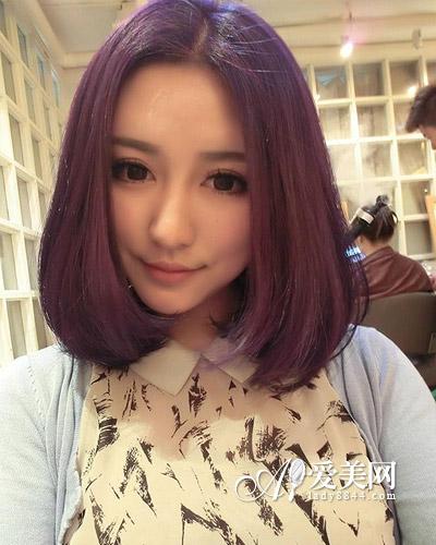这款非主流女生大爱的齐肩梨花头发型,中分刘海,两颊制造出来的蓬松感图片