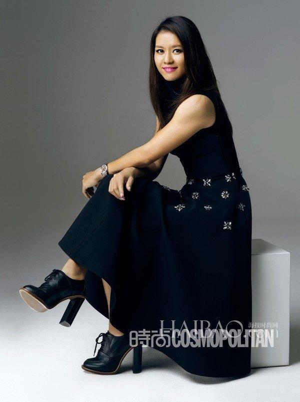 李娜拍摄时装写真 娜姐变身职场干练美女组图