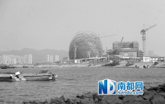 位于野狸岛上的珠海歌剧院,是中国唯一的海岛歌剧院,总投资约17元,由