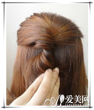 长发变短发 简单盘发变气质波波头