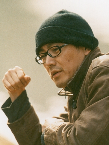 ① 新锐导演刁亦男是一位优秀的编剧和演员,代表编剧作品有《洗澡》、《将爱情进行到底》等。