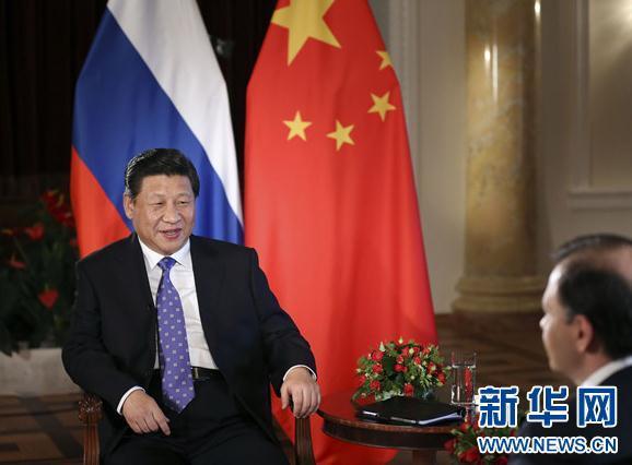 2月7日,国家主席习近平在俄罗斯索契接受俄罗斯电视台专访。