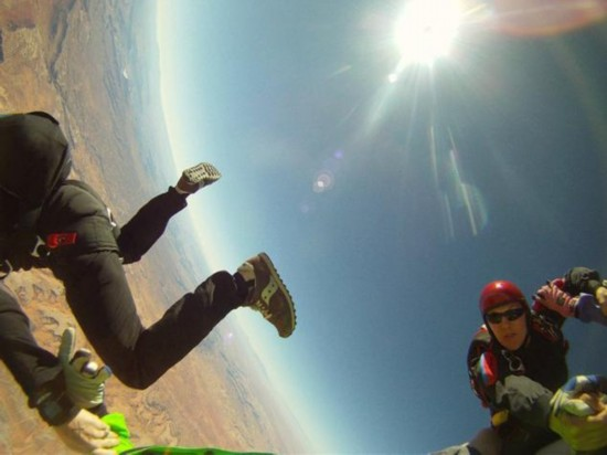 贝洛斯和巴特勒在跳伞圈子小有名气。(《纽约每日新闻》图)