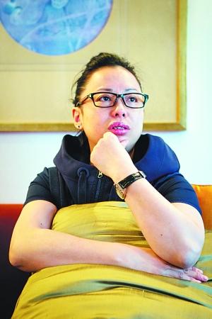 黄绮珊素颜接受采访. 早报记者