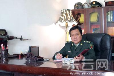 昆明军乐艺术学校苏他校长赵京伟。