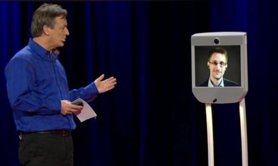 """斯诺登""""现身""""温哥华举行的""""TED""""演讲会场src=""""http://y3.ifengimg.com/cmpp/2014/03/19/13/595b8b61-91b3-448b-a2c5-5b7f707f9f2e.jpg"""""""
