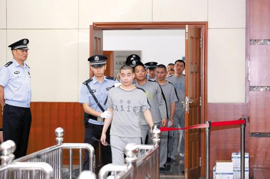 争议多多六被告不肯认罪|绑架罪|犯罪嫌疑人