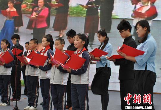 中、青、小四代宜兴人的集体诗朗诵《美丽宜兴、悲鸿故乡》