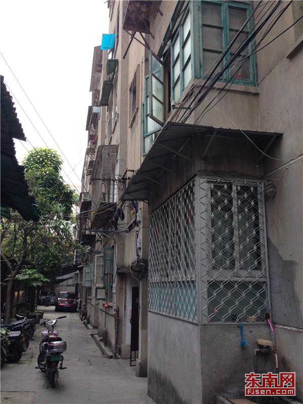 福州网友通过《直通屏山》建议对全市砖混结构房屋进行全面检查.