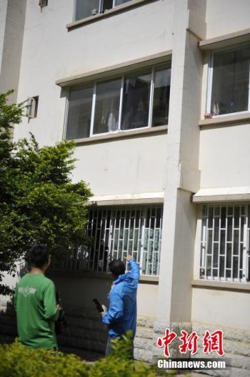 云大滇池学院伤害案 男子曾因不愿分手砸宿舍玻璃